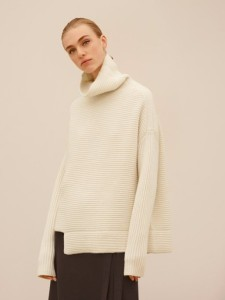 holiday gift guide aritzia