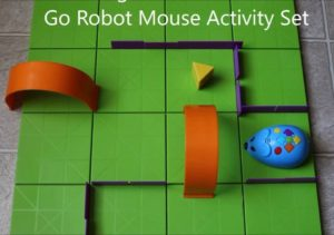 holiday-gift-guide-2016-robot-mouse  FashionsDigest